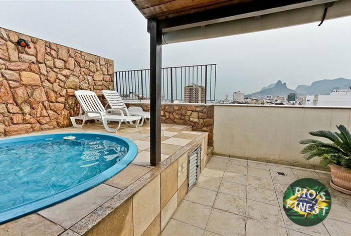 2 bedroom duplex penthouse with private pool  in posto 6 of Copacabana with sea view.