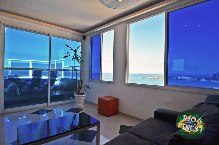 Beachfront Penthouse Apartment in Copacabana - Rio de Janeir