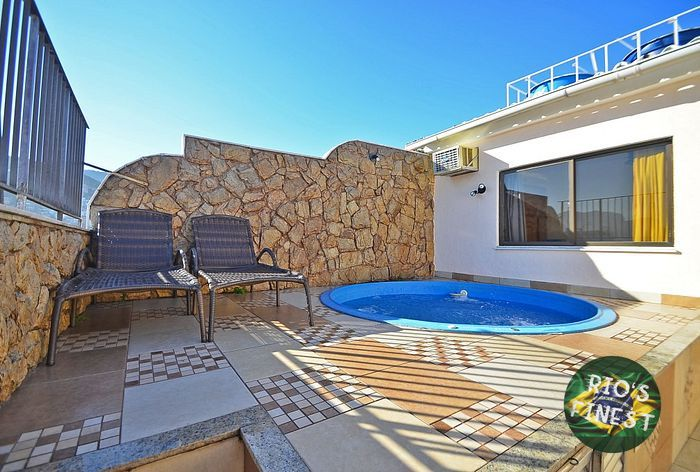 Duplex penthouse w/ 2 bedrooms and pool with panoramic view