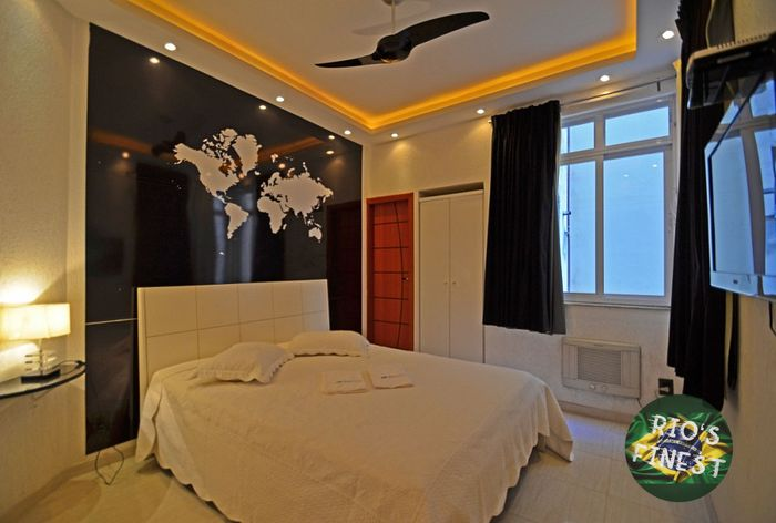 LUXURY apartment w/ 3 suites, sea view and bathtub at the po