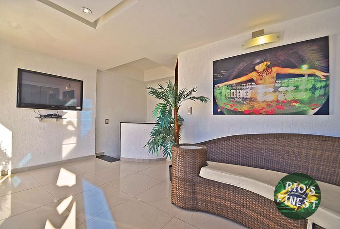 Copacabana 4 Bedrooms max 9 Persons